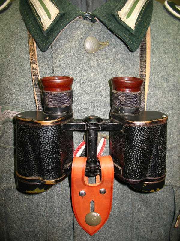 Производство и продажа Фиксатор для бинокля (Anknopflasche fur Doppelfernrohr) M4-027-S с доставкой по всему миру