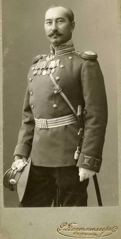 Производство и продажа Перчатки офицерские (из белой замшевой кожи) M1-066-U с доставкой по всему миру