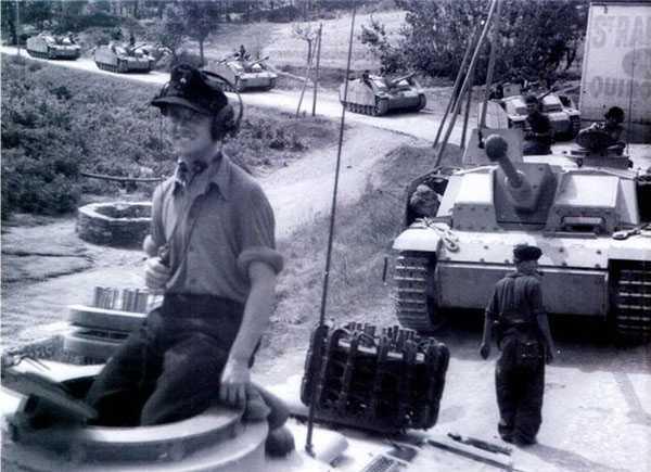 Производство и продажа Полевое кепи обр.1943 г. (бронетанковые войска) (Einheitsfeldmutze M43) M4-008-G с доставкой по всему миру