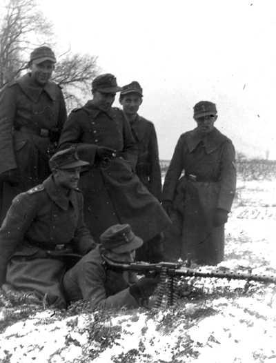 Производство и продажа Шинель солдатская М1942 (Mantel M42) M4-089-U с доставкой по всему миру
