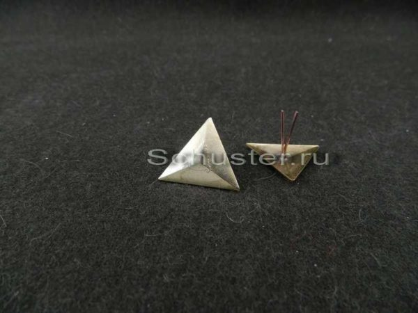M1940 The triangle buttonholes on junior command personnel composition (Треугольники на петлицы младшего комначсостава обр. 1940 г. (обр. 1)) M3-201-Z