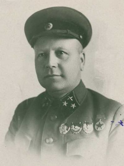 Производство и продажа Звезда кокарда к головным уборам генералов обр.1940 г. M3-022-F с доставкой по всему миру